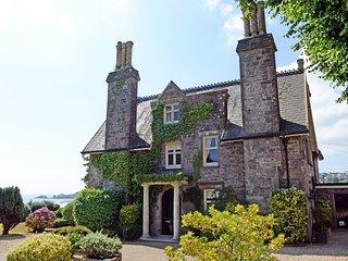 Beautiful Country Manor House, Sea Views, Log Burner, Large Gardens