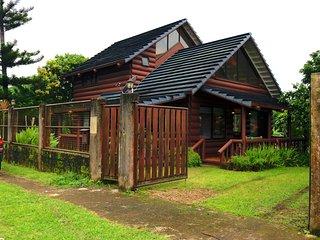 3BR Beautiful Log house nr Lourdes Church