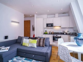 16 Barter Street . Stunning 1 Bedroom Apartment Nearby Covent Garden