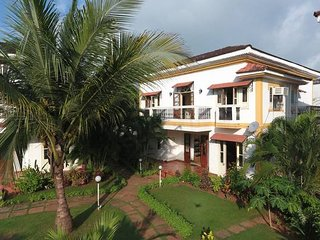 5 mins from beach - 3BR Fully-Serviced Vacation Home in South Goa w/ Cook & Pool