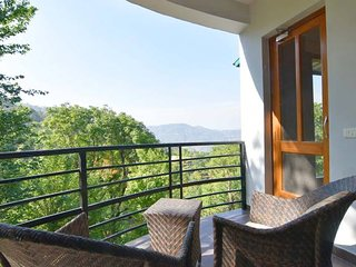 Plush 5BR Vacation Home in Kasauli with Large Open Deck & Home-Cook