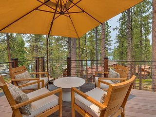 Tahoe Blue Lake House, w/private community beach (EP463)