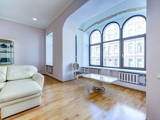 3 bedrooms apartment on Nevsky 103