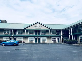 1 Block off Parkway in Pigeon Forge 1 BR Condo