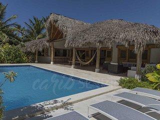 EL DORADO, mer à 80 m, piscine privée, 4 chambres, 10 pers max, résidentiel luxe