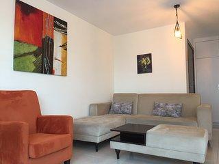 New 2 bedrooms in center of Kyrenia. Girne merkezde 2 yatak odalı yeni daire