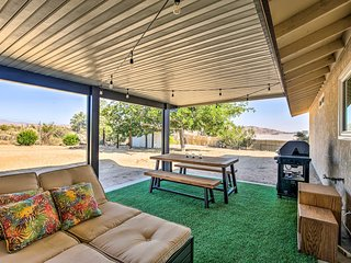 Rustic Home w/ Grill+Views - 4 Mi. to Joshua Tree!