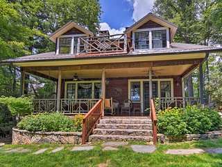Beautiful Banner Elk Home w/Mountain Views & Decks