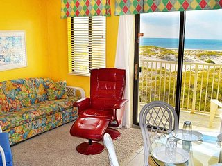 NEW LISTING! Waterfront getaway w/beach view, shared pool, hot tub & sport court