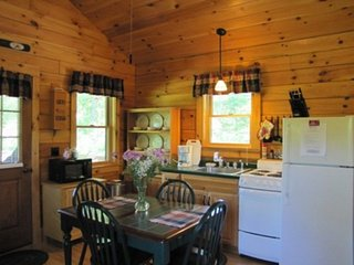 Glamping in the Finger Lakes National Forest - pet-friendly w/ breakfast incl!