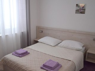 Jakisnica Apartment Sleeps 4 with Air Con and WiFi - 5462433