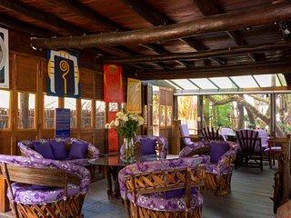 Chillaxing Garden View Beach House