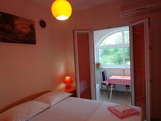 Room Bol, Brač (S-14493-a)