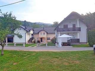 Two bedroom apartment Smoljanac (Plitvice) (A-14603-a)