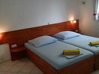 Room Stanici, Omis (S-14782-d)