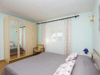 Two bedroom apartment Kampor, Rab (A-14841-b)