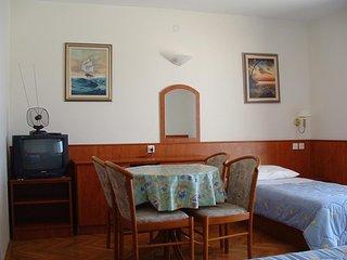 Studio flat Lokva Rogoznica, Omis (AS-14853-a)