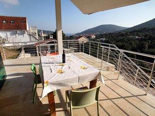 Three bedroom house Vinisce, Trogir (K-14858)