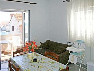 One bedroom apartment Postira, Brač (A-14902-b)