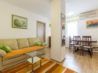 Vranjic Apartment Sleeps 3 with Air Con and WiFi - 5584951