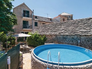 Two bedroom house Skrip (Brac) (K-15100)