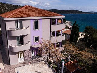Two bedroom apartment Sevid, Trogir (A-15108-a)
