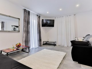 Two bedroom apartment Sevid, Trogir (A-15108-b)