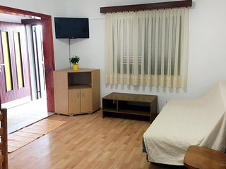 Three bedroom apartment Prigradica (Korčula) (A-627-f)