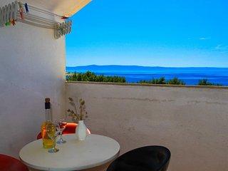 Makarska Apartment Sleeps 4 with Air Con - 5620674