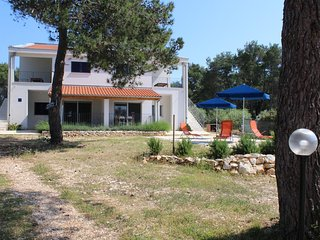 Two bedroom apartment Verunic, Dugi otok (A-15209-a)