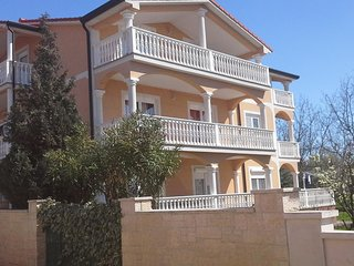 One bedroom apartment Novigrad (A-15227-a)