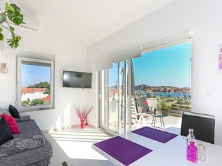 Two bedroom apartment Tribunj, Vodice (A-15233-c)