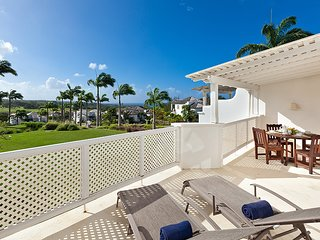 Caribbean Casas: Gorgeous Villa Hills for 6 guests, with pool and golf access!