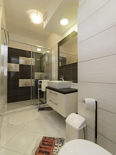 Bathroom 1, Surface: 8 m²