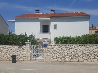 Two bedroom apartment Hvar (A-15378-a)