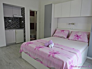 Studio flat Podstrana, Split (AS-15377-b)
