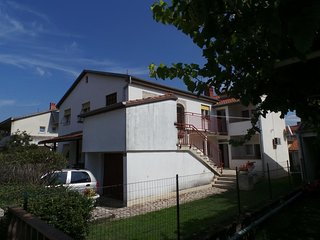 Two bedroom apartment Valbandon, Fažana (A-15386-a)