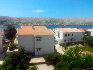 Pag Apartment Sleeps 4 with Air Con - 5629403
