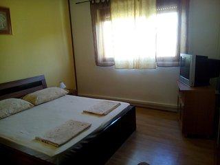 Two bedroom apartment Banjol, Rab (A-15463-b)