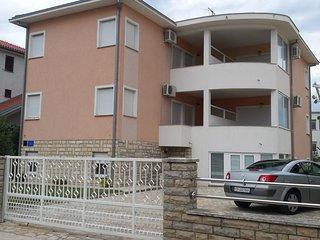 Two bedroom apartment Biograd na Moru, Biograd (A-15472-b)