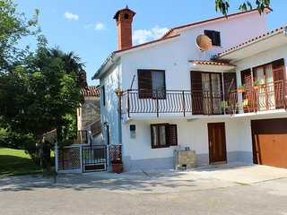 Three bedroom apartment Čepić (Central Istria - Središnja Istra) (A-15542-a)