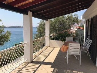 Kaprije Apartment Sleeps 4 with Air Con and WiFi - 5633957