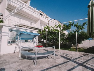 One bedroom apartment Podstrana, Split (A-15591-a)