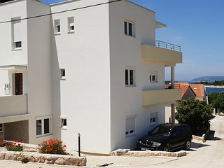 Two bedroom apartment Bilo (Primosten) (A-14601-f)