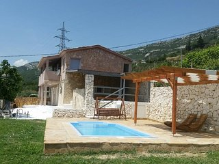 Four bedroom house Kaštel Stari (Kaštela) (K-15690)