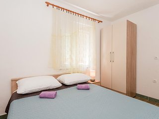 Two bedroom apartment Gradac, Makarska (A-15750-d)