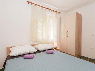 Two bedroom apartment Gradac, Makarska (A-15750-d)