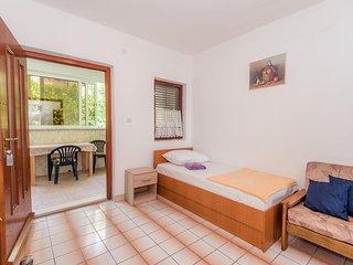 Two bedroom apartment Gradac, Makarska (A-15750-e)