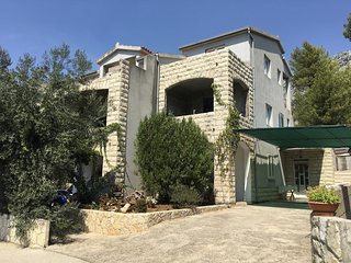 Two bedroom apartment Ivan Dolac, Hvar (A-15784-a)