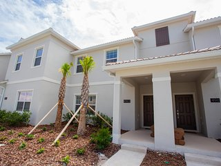 Four Bedrooms Close to Disney w/ Pool 4963